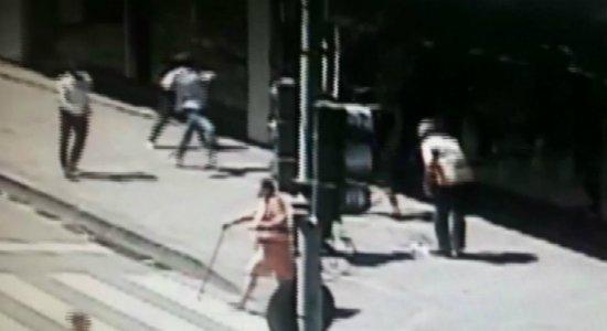 Homem com deficiência filmado roubando no Centro é preso novamente