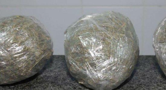 Casal é preso suspeito de tráfico de drogas no Grande Recife