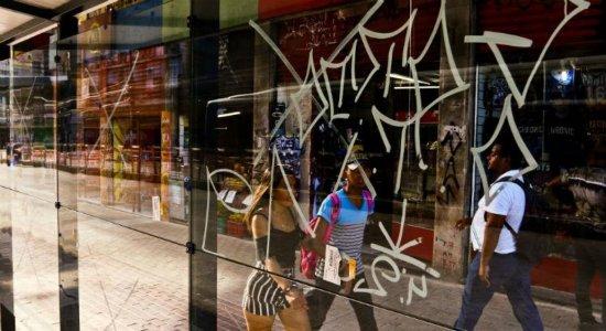 Novas paradas de ônibus da Conde da Boa Vista são alvo de vandalismo