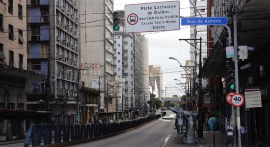 Conde da Boa Vista: 38 linhas de ônibus voltam a circular na avenida