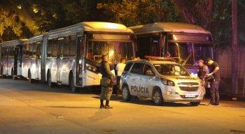 BRT fazia a linha TI Caxangá (Av. Conde da Boa Vista)