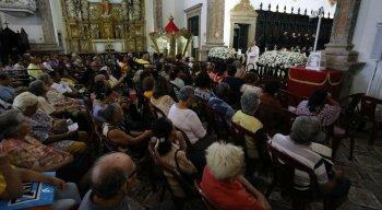 Fiéis celebram também o centenário da coroação canônica