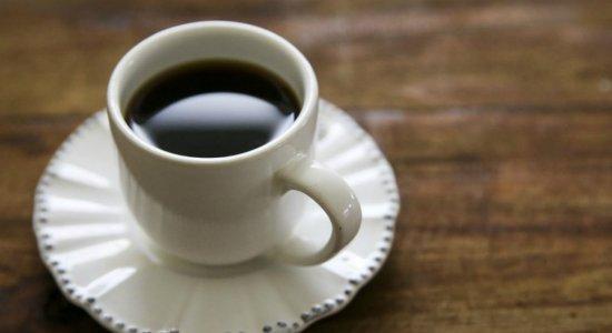 Conheça as relações entre café e hipertensão e os riscos da bebida