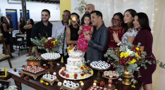Casamento coletivo gratuito formaliza união de casais no Recife