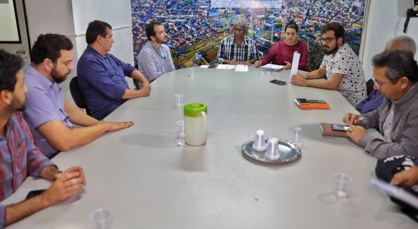 Reunião para discutir reajustes da tarifa de ônibus em Caruaru