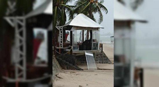 Ventos de 35km/h assustam moradores e turistas de Porto de Galinhas