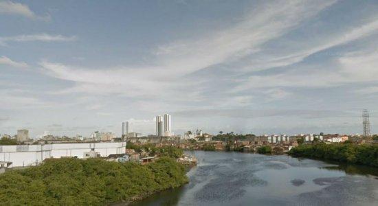 Corpo de homem é encontrado no Rio Capibaribe pelos bombeiros