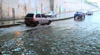 Chuvas alagam o Túnel do Jordão