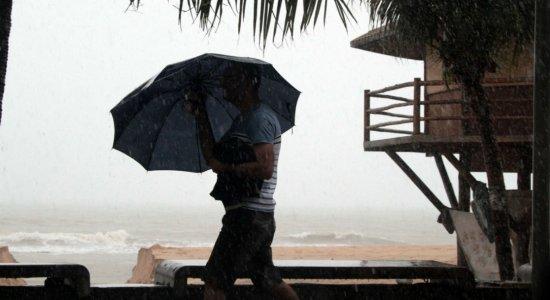 Alerta de chuvas fortes e moderadas no Grande Recife e Zona da Mata