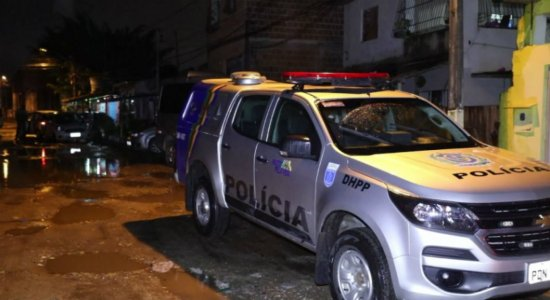 Pai mata filho em quarto por causa de celular na Imbiribeira
