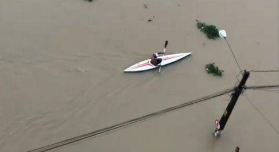 Chuvas fortes deixam mortos e destruição no Grande Recife
