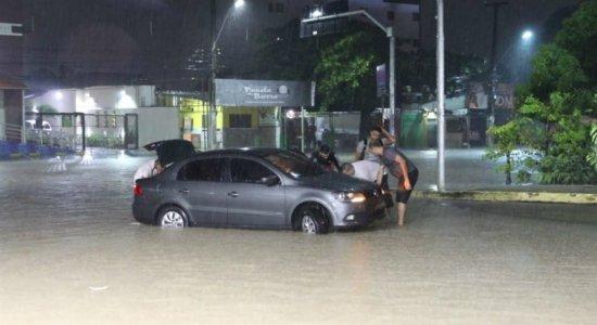 Chuva forte deixa pessoas mortas no Grande Recife