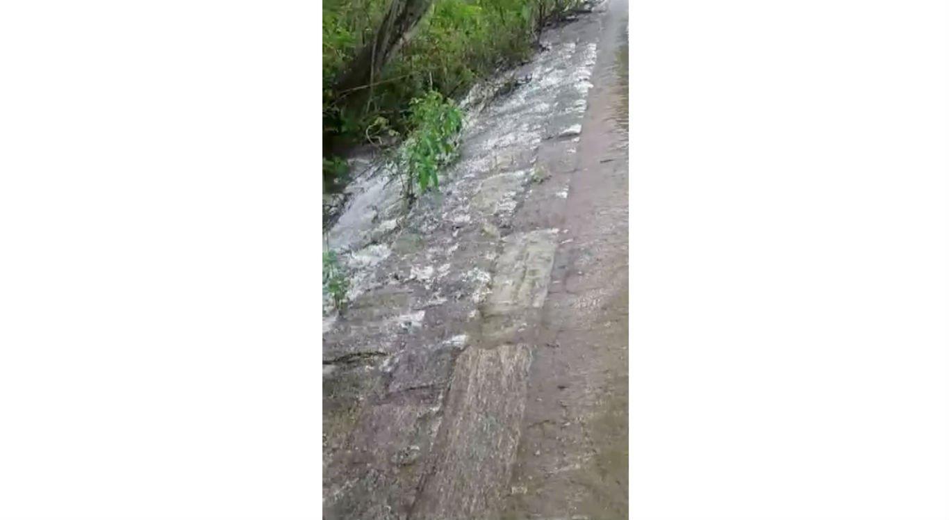 Barragem que apoia abastecimento de Pesqueira verteu
