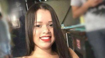 A jovem estava internada no Hospital da Restauração desde o início de julho, quando foi atacada com ácido