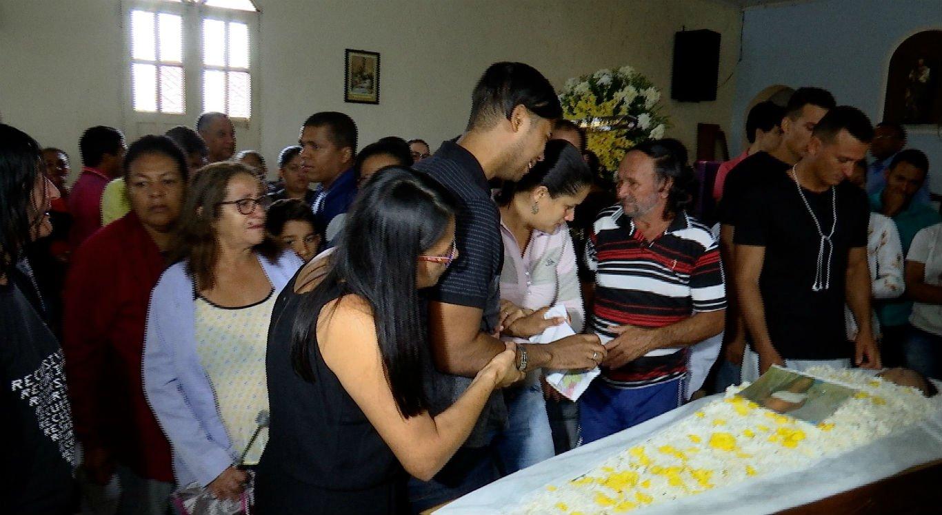 Velório aconteceu na Igreja do Cruzeiro, em Camocim de São Félix