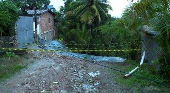 barreira  desliza e mata dois idosos em Passarinho