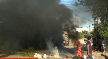 protesto em Caetés por corte de água e luz na região