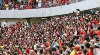 Problemas de operação do equipamento prejudicaram a experiência dos 18.403 torcedores rubro-negros da chegada à saída do estádio.