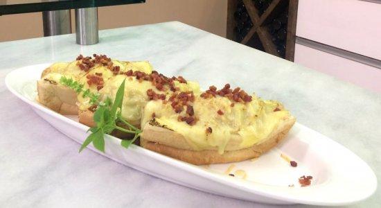 Que tal preparar um Hot Dog Bacon?