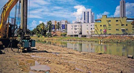 Alagamentos do Canal do Fragoso, em Olinda, preocupam moradores durante período de chuva