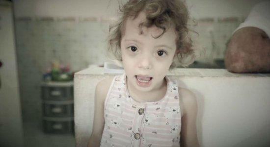 Nascida prematura, menina precisa de tratamento hormonal