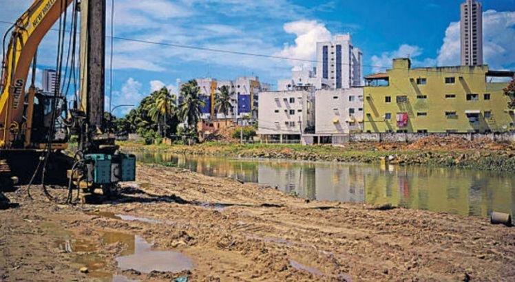 Chuva causa preocupação para moradores de Jardim Fragoso, em Olinda
