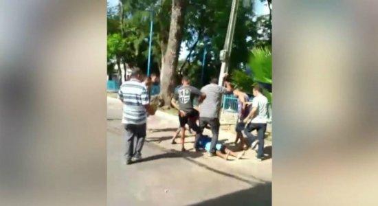 Vídeo: suspeito de assalto é seguido por vítima e espancado em velório