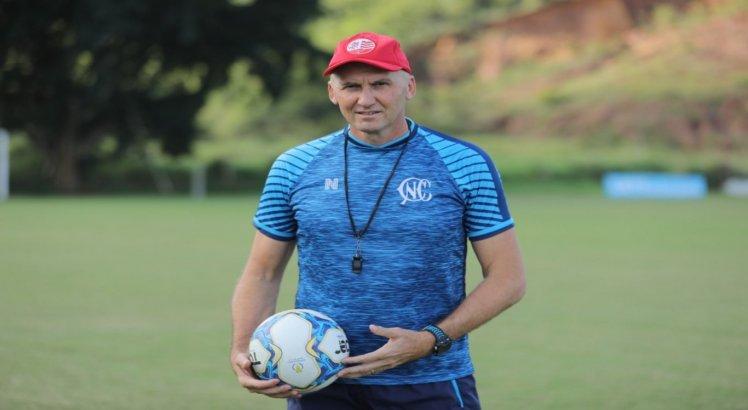 Gilmar Dal Pozzo vive bom momento com o Náutico. A equipe pernambucana está na vice-liderança do grupo A da Série C.