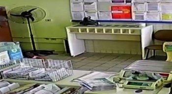 os bandidos reviraram a agência dos correios