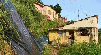 Barreiras de Águas Compridas causam medo aos moradores