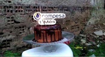 O bolo foi feito por moradores como forma de protesto
