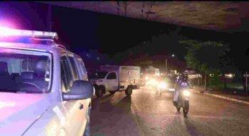 Acidente entre motocicleta e caminhão causa morte