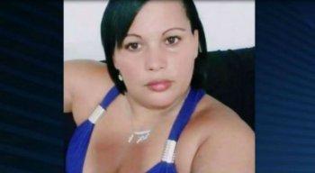 A vítima de 35 anos foi encontrada carbonizada dentro da própria residência
