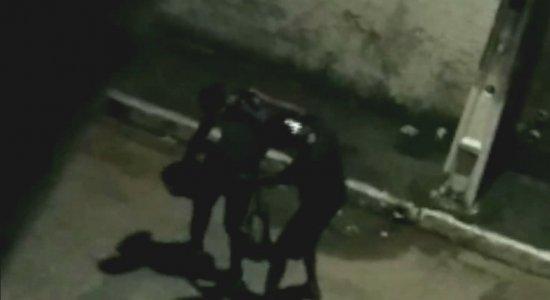 Vídeo: jovem briga com assaltante e é assassinado em Igarassu