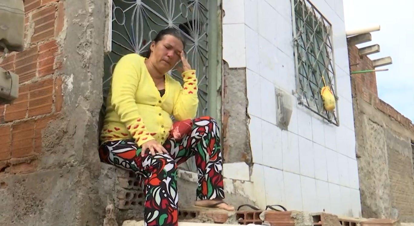 Mãe de Joclécia Silva não consegue comer nem dormir direito desde que a filha desapareceu