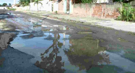 Moradores denunciam descaso de rua no bairro de Jardim Fragoso