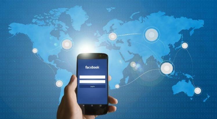 Facebook pagou terceirizados para ouvir áudios de usuários