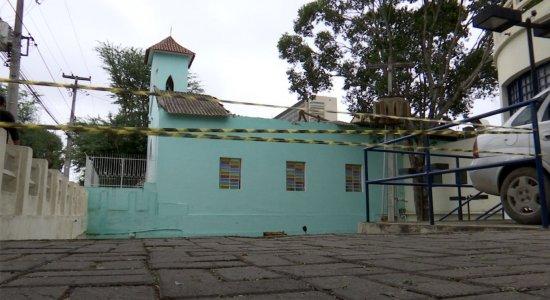 Capela São Sebastião fica ao lado do hospital de mesmo nome