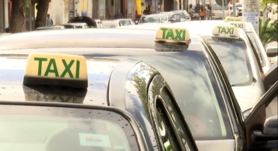 Taxistas podem fazer recadastramento para trabalhar em Olinda