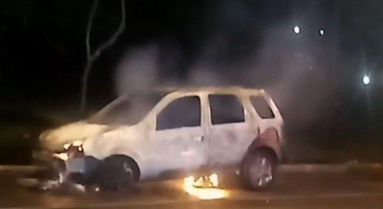 Bombeiros apagam incêndio em veículo no bairro de Boa Viagem