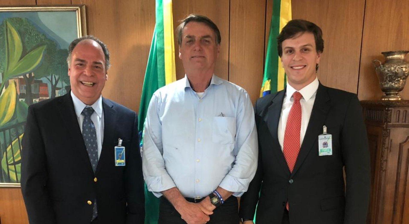 Miguel Coelho se reuniu com Jair Bolsonaro
