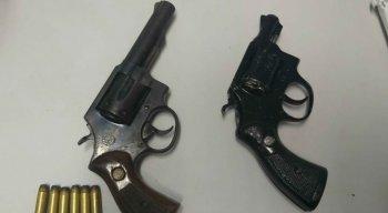 Os suspeitos foram apreendidos armados