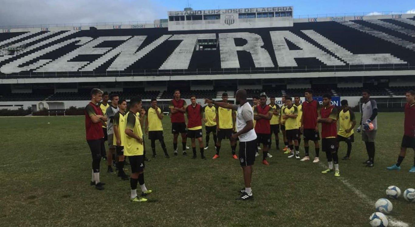 Jogadores se preparam para a estreia no Campeonato Sub-20