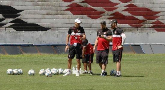 Com novidades, Milton Mendes confirma titulares para jogo decisivo