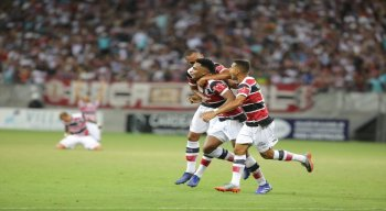 Elias Carioca foi o autor do primeiro gol da vitória tricolor