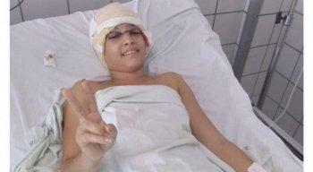 Débora Sthefani, de 19 anos, vai precisar de uma nova cirurgia.