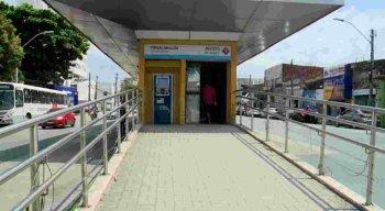 Estação do BRT se encontra abandonada, segundo os passageiros e funcionários.