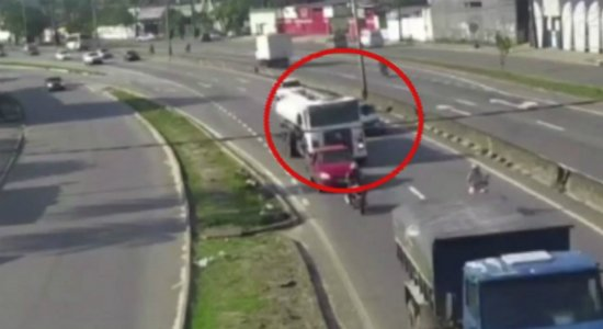 Vídeo mostra acidente que acabou com uma morta e 10 feridos na BR-101