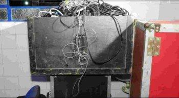 Polícia apreende equipamentos de som furtados em casa de show