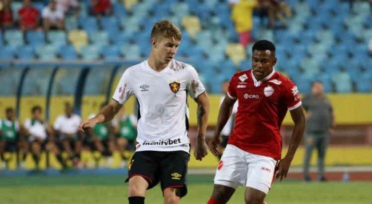Em jogo marcado por lesões, Sport arranca a vitória diante do Vila Nova-GO
